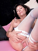 black mature mom